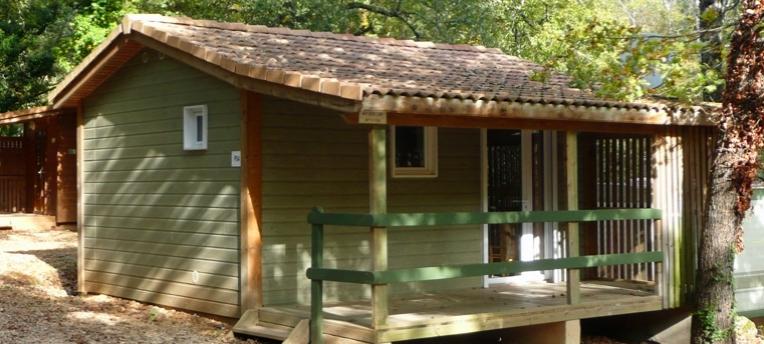 Chalet en camping naturiste