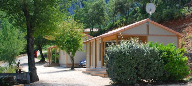 Chalets en camping naturiste