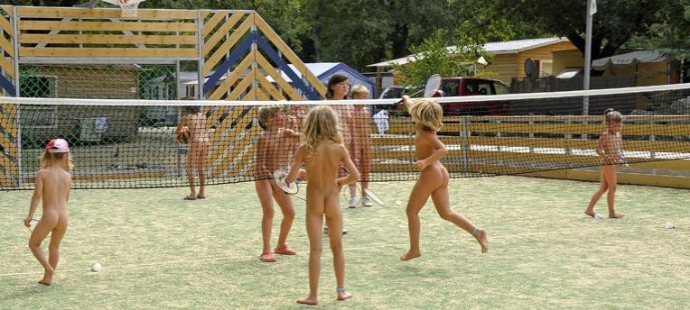 Badminton naturiste