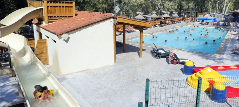 Camping naturiste avec piscine